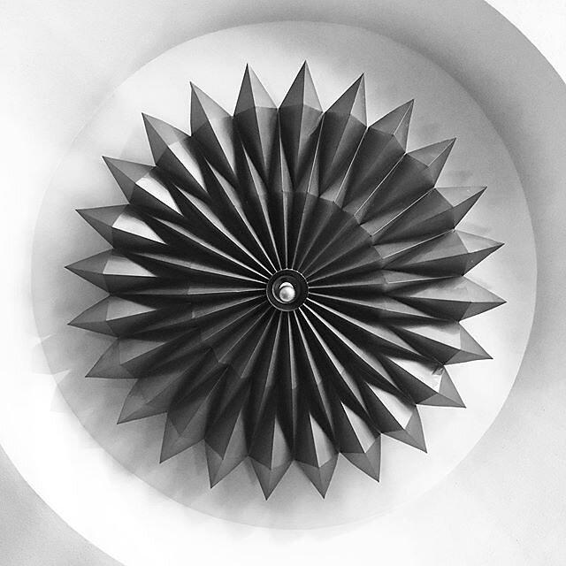 #bangkok #cinema #scala #pisittansacha #1969  #abstractmybuilding #minimalmood #m_innovative #bnw_minimal #bnw_mood #realandabstract #ShotoniPhone #minimal_take #linedesire #minimalism #minimalobsession #rsa_minimal #mobiograhy #bnw_mnml #archilovers #fin
