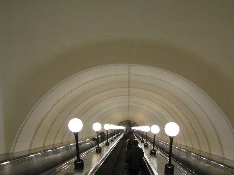 Metro-Moskau-03.jpg