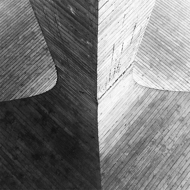 #abstractmybuilding #rsa_minimal #bnw_mnml #bnw_minimal #bnw_captures #brutalism #geometry #realandabstract #paris #airport #minimalism #linedesire #minimal_take #fineart_architecture #rsa_minimal